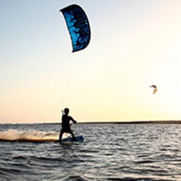 El Kitesurf: Un deporte para exhibirse y deslumbrar con agilidad