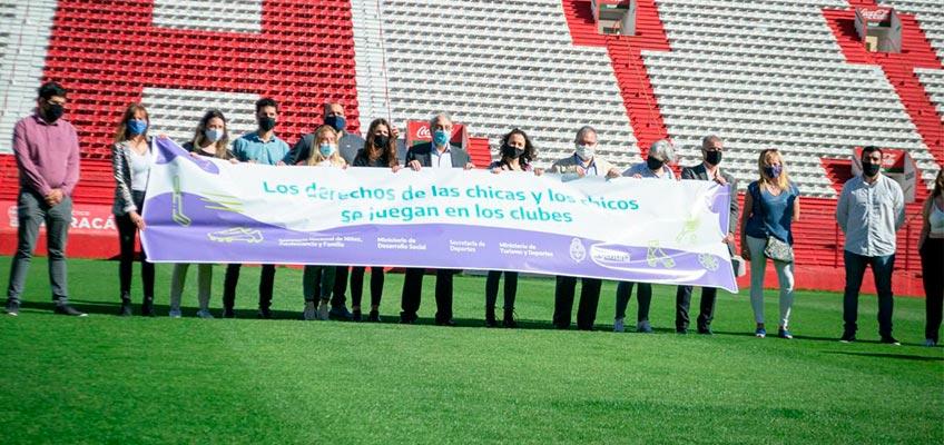 Los derechos de niñas, niños y adolescentes se juegan en los clubes y comienzan en Huracán