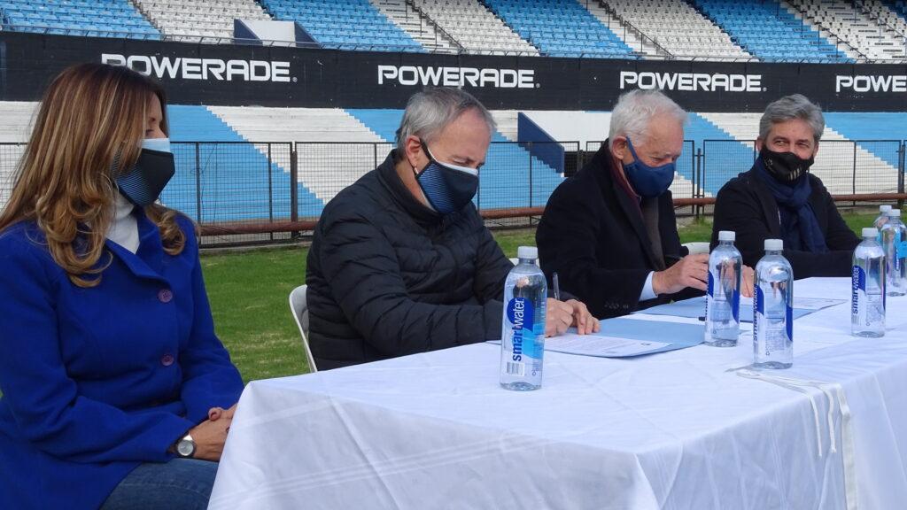 Firma de convenio entre la CAD y Racing Club